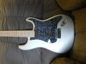 2009 Fender American Deluxe Stratocaster - Chrome Silver