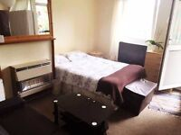VERY BIG DOUBLE Room in Bow, Hackney, Victoria Park, Mile End, E3, Zone2, Zone 1