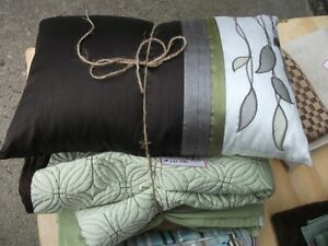 Pillow, throw, bedskirt