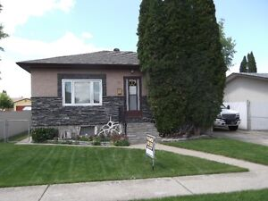 Redcliff Single Family Home for Sale