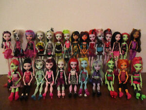 Monster  High  $10Chaque