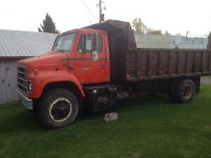 International dump truck 4000$
