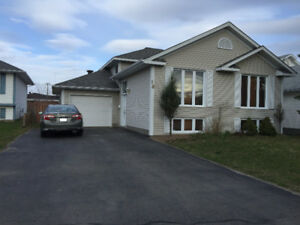 Complete 3+1 beds house available at Sudbury South end