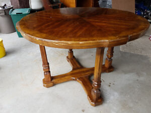 Round Wood Card Table