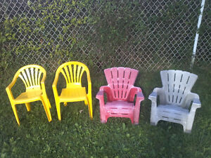 EXCELLENT KIDS / TODDLER CHAIRS FOR SALE: $5 FOR ALL 4 CHAIRS!