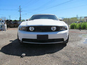 2010 Ford Mustang GT Premium Convertible White Coupe (2 door)