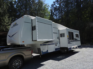 2007 Fleetwood Wilderness 29.5 RLTS 5th Wheel