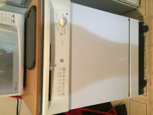 dishwasher!! works great, excellent condition