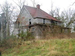 SEEKING OLD ABANDONED OR DERELICT HOMES, CABINS, COTTAGES.