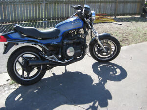 1985 honda v - 45 sabre  parts bike