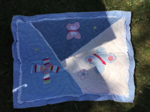 Pottery barn kids quilt bed cover and pillow case twin