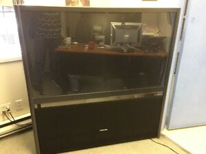 BEAUTIFUL TV TOSHIBA VERY GOOD CONDITION FOR SALE