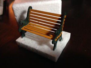 DEPARTMENT 56 - WROUGHT IRON PARK BENCH - #5230-2