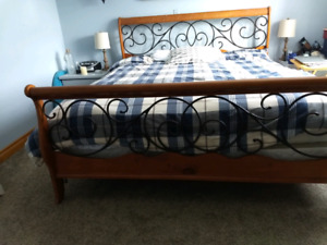 King headboard and footboard pick up only