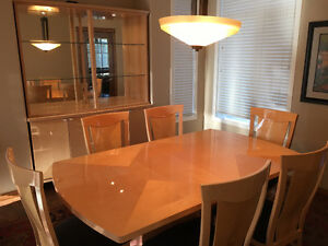 PRICE REDUCED Beautiful Contemporary Natural Birch Dining Rm Set