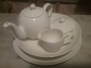 Royal Doulton Gordon Ramsay maze tea set