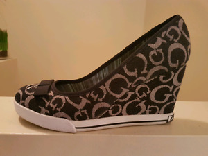 GUESS SHOES size 7