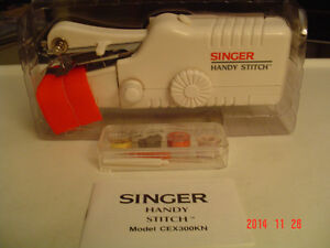 """BRAND NEW """"THE ULTIMATE STEAMER"""" & SINGER HANDY STITCH #CEX300KN Windsor Region Ontario image 9"""