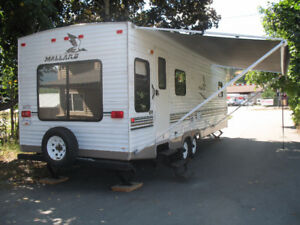 2004 Mallard 28ft Travel Trailer