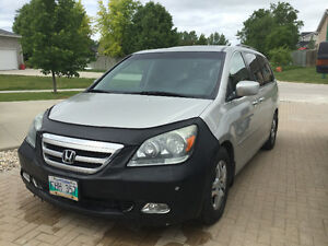 2005 Honda Odyssey TOURING EDITION, fully loaded, 181,700 km!!!