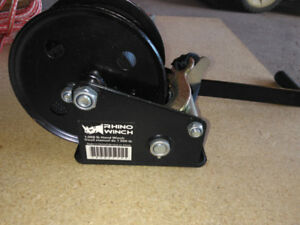 Brand new winch 1000 lb capacity with strap