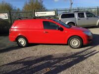 Vauxhall Astravan 1.7CDTi 16v 2007MY Club red