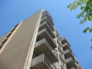 Renovated 3-bedroom Apartment in Cote St-Luc