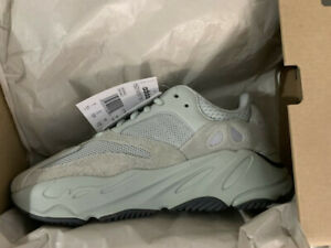 DS Adidas Yeezy 700 V1 Salt bae size 5.5 and 9.5