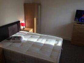 Stunning DOUBLE Room available for Quick move / EASTCOTE - £140 - £150 / WEEK