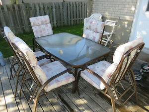 Beautiful Patio Set, 6 reclining chairs West Island Greater Montréal image 2