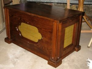 Rob's WoodCraft  -- Solid Oak Chest