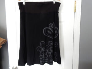 """Smash"" Skirt Size XL"