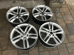 AUDI MAGS 18 POUCES * AUDI RIM 18 INCH LIKE NEW COMME NEUF