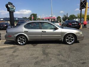 Nissan Maxima LIMITED EDITION-BESOIN D'AMOUR 2001