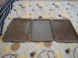 3 baking pans Peterborough Peterborough Area image 1