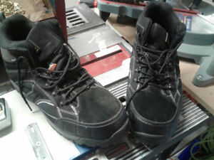 size 14 steel toe men's boots - new NEVER worn