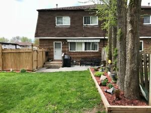 3 BDRM TOWNHOME WITH BASEMENT & PRIVATE YARD AVAIL JULY 1ST!