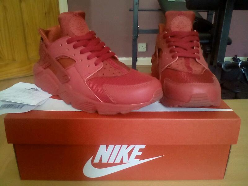 bb524f6245 Nike Air Huarache trainers Triple red October red like new boxed, cost  £94.99 footlocker size UK 7.5