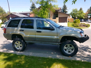 """2000 Jeep Grand Cherokee with 6.5"""" lift"""