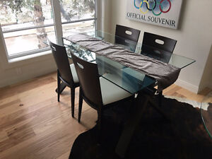 * Modern Dining Set - Glass Top Table with 4 Chair Set *