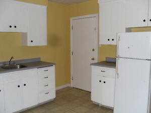Live in superintendant, all utitlies incl on this 2 bedroom