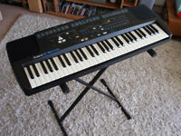 ROLAND E-16 Keyboard Used