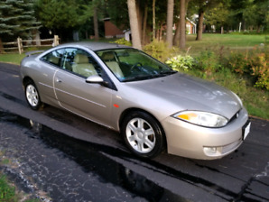 Mercury Cougar 2002 V6 only 107,000km