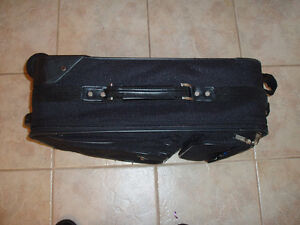 EDDIE BAUER ZERO GRAVITY LARGE SUITCASE West Island Greater Montréal image 5