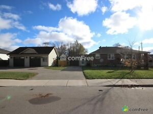 Beautiful home with large shop 30 min from london, only $399,900