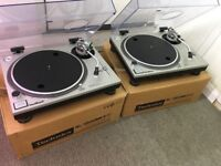 Mint pair of original technics SL1200 mk2 Turntables