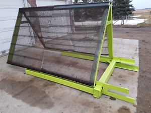Topsoil Screener - $ 3,000 - Made in Canada