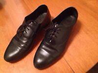 Chaussures American Apparel en cuir, femme, grandeur 9