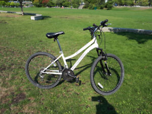 Nakamura Inspire 2.4 Mountain Bike with lock and helmet 2014