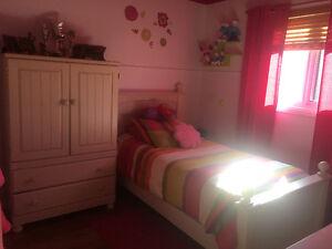 Ensemble de mobilier pour chambre à coucher d'enfant